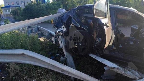 В Подмосковье водитель погиб, врезавшись в отбойник