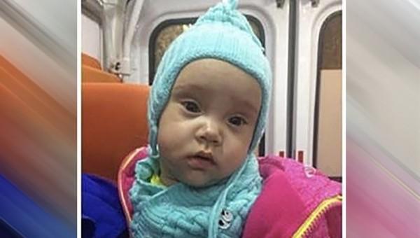 Грудную малышку неизвестный оставил на лавке в Москве