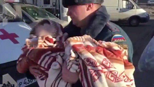 Мать, оставившую сына в парке с пакетом на голове, признали невменяемой