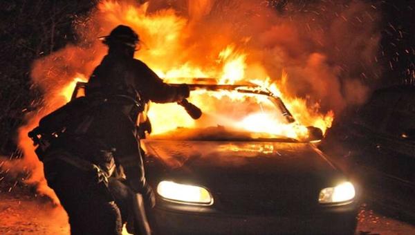 В Гавшино Серпуховского района у местного жителя сожгли машину