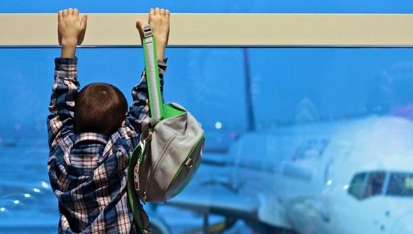 Мальчик сбежал с детской площадки в аэропорт