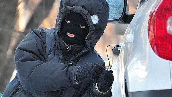 В Серпуховском районе угнали автомобиль