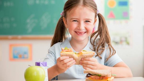 Ограничений на домашнюю еду в школах не будет