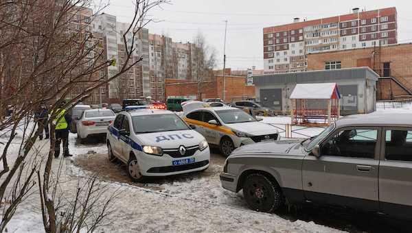 Ребенок и пенсионерка попали под колеса на улицах Серпухова