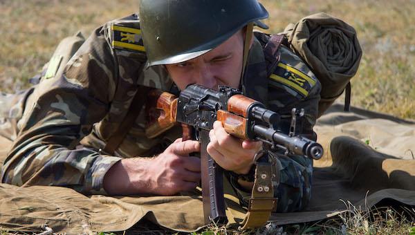 На территории военного института в Серпухове могут случайно застрелить