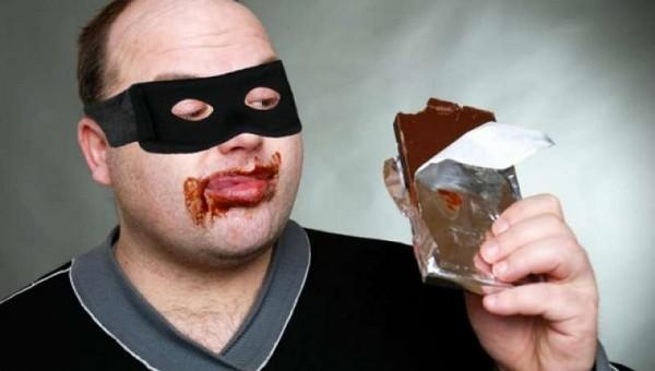 В Подмосковье неизвестные украли грузовик шоколада