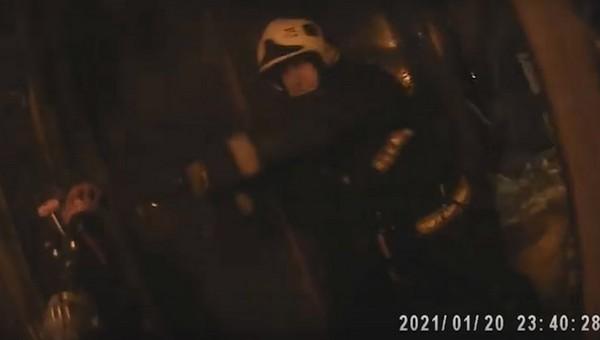 Пожарные сняли на видео свою работу