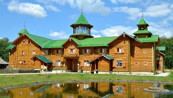 Туристический комплекс «Этномир» пострадал при пожаре