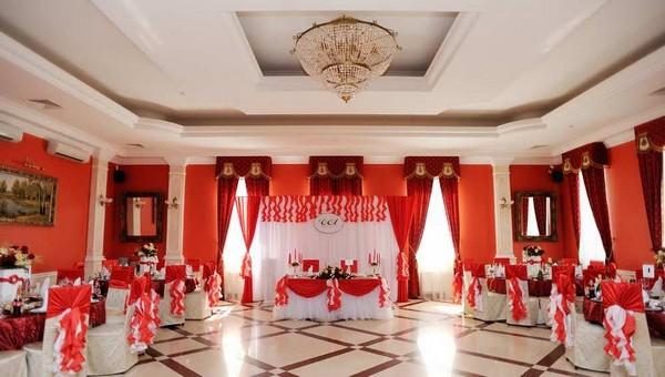 Один из самых больших ресторанов Серпухова выставлен на продажу