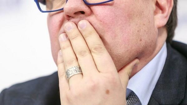 Госдума приняла закон об оскорблении граждан чиновниками