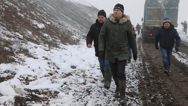 Из-за вони со свалки в Серпухов экстренно прибыл министр экологии Подмосковья