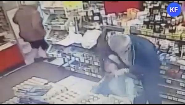 Муж искромсал бывшую жену ножом на глазах многочисленных свидетелей