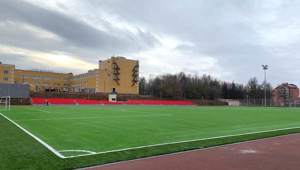 В Чехове завершают реконструкцию стадиона «Химик»