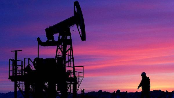 Сегодня ночью цена на нефть рухнула почти на треть