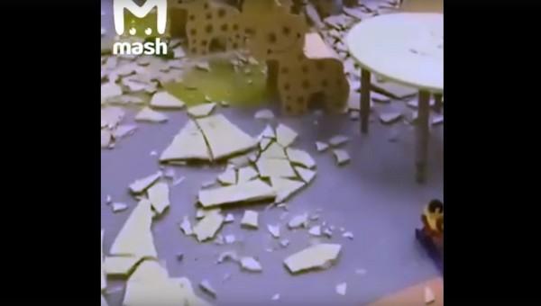 В новом российском детском саду рухнул потолок