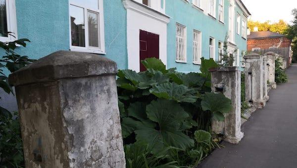 Старинному дому в Серпухове не вернули забор