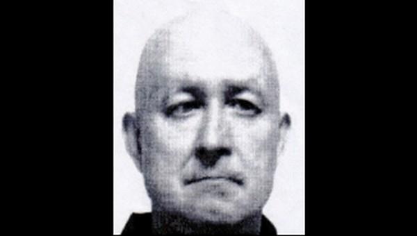 Преступника с яркой внешностью разыскивают в Подмосковье