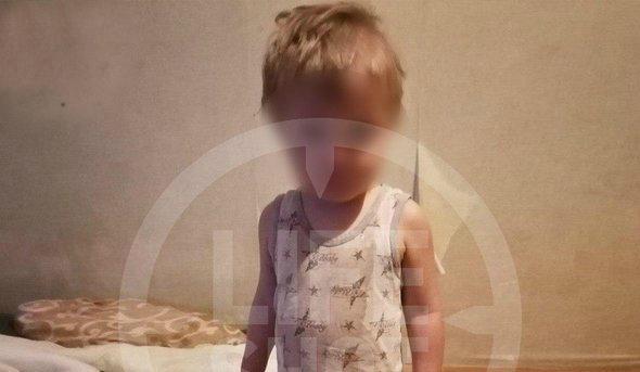Что стало с мальчиком, найденным в квартире в Серпухове?