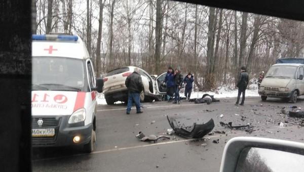 Четверо погибли в лобовом столкновении в Подмосковье