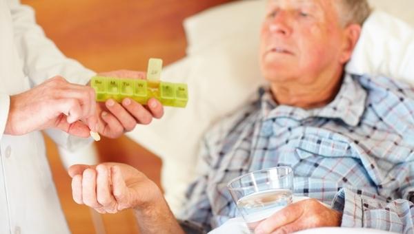 Россиян, перенесших инфаркты и инсульты, будут бесплатно снабжать лекарствами