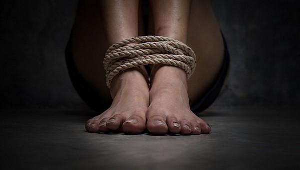 Россиянка пыталась продать 13-летнюю дочь в сексуальное рабство