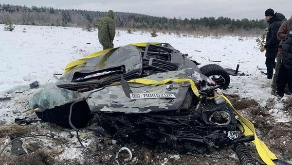 Двое москвичей сбросили с вертолета «Гелендваген»