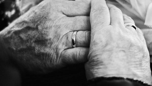 В Подмосковье пожилая пара задохнулась в собственном гараже