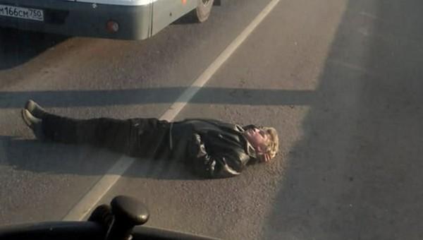 В Подмосковье отчаявшийся погорелец перекрыл дорогу