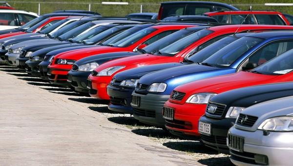 Россиянам стали меньше нравиться черные машины