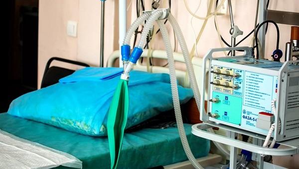 Минздрав признал нехватку средств защиты и аппаратов ИВЛ