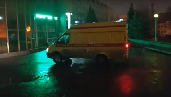 «Скорая» привезла пациентов к зданию Минздрава. Их не принимали в больницах