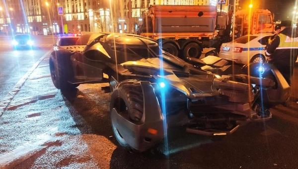 В Москве полиция изъяла у автомобилиста самодельный «бэтмобиль»