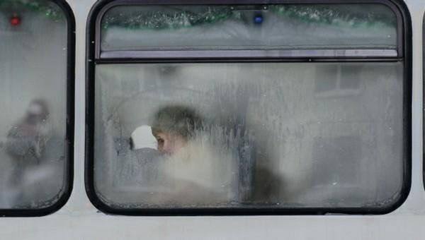 Водитель автобуса отобрал у школьницы шапку в счет оплаты и высадил на мороз