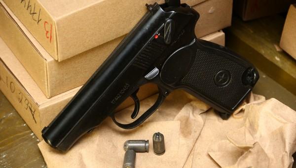 В Подмосковье физрук устроил оружейную мастерскую у себя дома