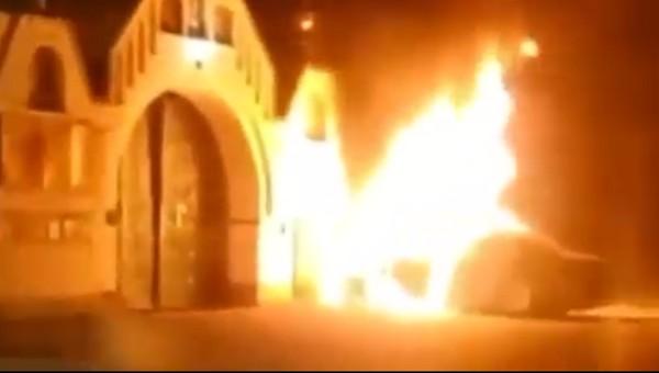 Полицейский на авто врезался в храм и погиб