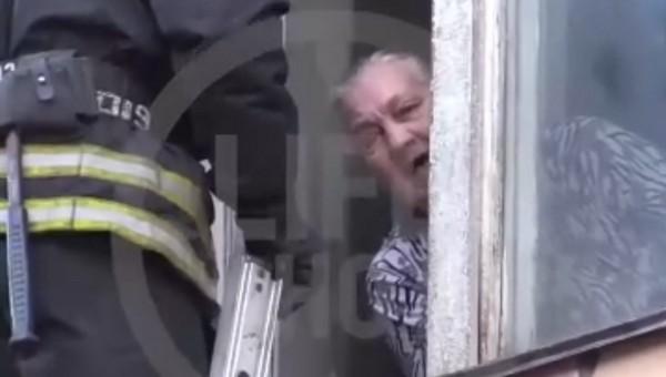 Любящая бабушка взяла правнука в заложники, чтобы не отдавать его органам опеки