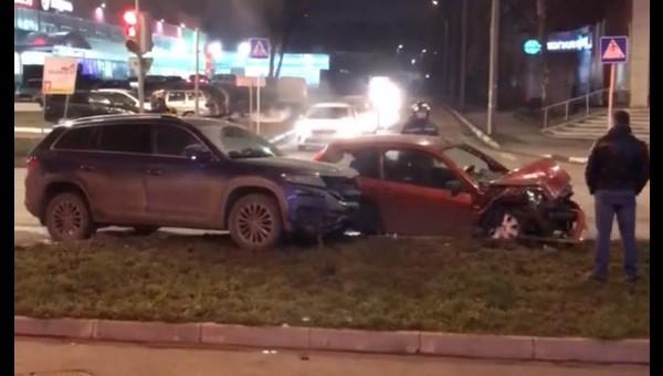 Учительница и ребенок пострадали при столкновении автомобилей в Серпухове