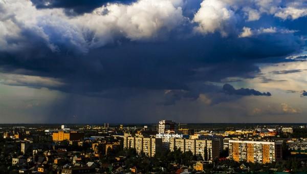 В Подмосковье на весь день объявили второй уровень погодной опасности