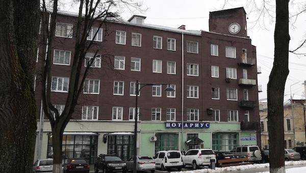 Площадь Ленина в Серпухове еще чинить и чинить