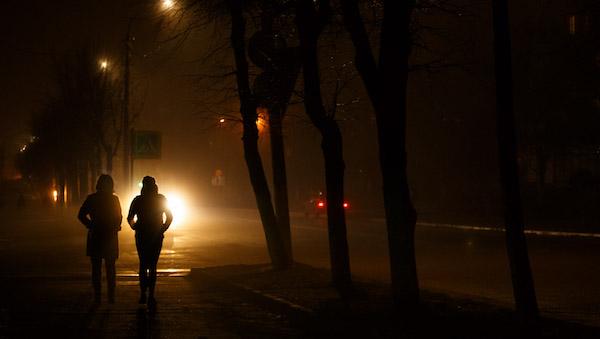 Жители Серпухова не увидели улучшений от замены фонарей