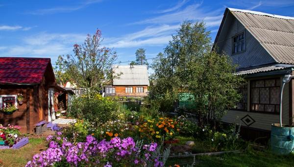 Оформить садовый домик, как жилой, стало проще