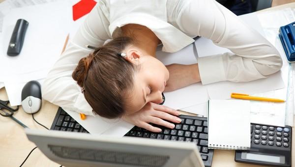 Россияне рассказали, за сколько готовы работать без выходных