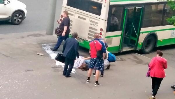 Жительница Подмосковья перепутала педали в автобусе и подавила людей