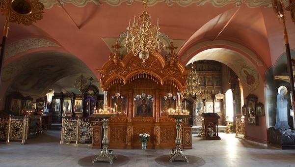 Запрет на посещение храмов Подмосковья и Москвы продлен еще на неделю