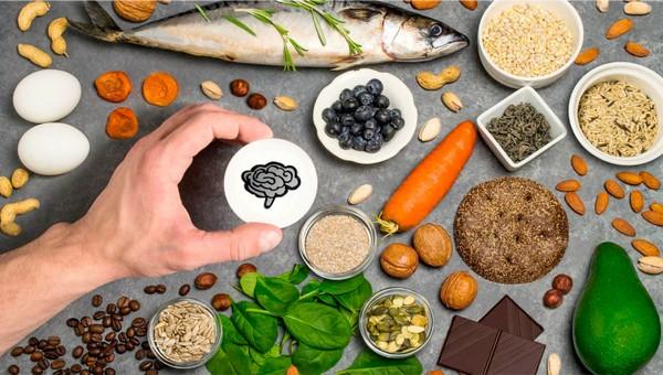 Диетолог рассказала, какие продукты полезны для работы мозга и улучшения памяти