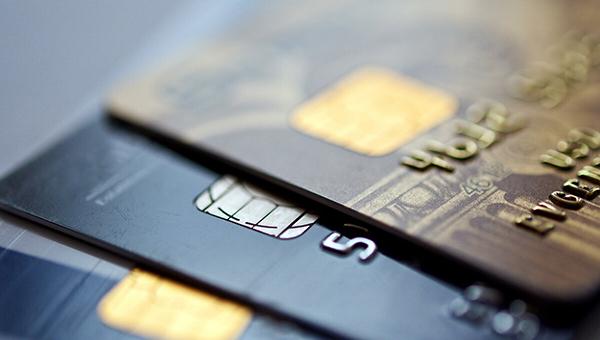 Банки смогут списывать со всех счетов клиентов денежные средства