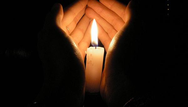 Смерть молодого человека в Санкт-Петербурге: как родственники могут организовать похороны?