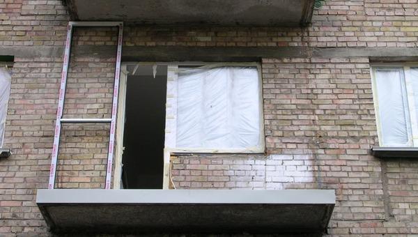 Полуторогодовалый малыш упал с балкона в Подмосковье