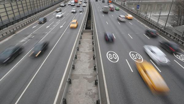 В Москве предложили снизить скорость транспорта