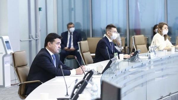 Губернатор Подмосковья выругался на совещании правительства